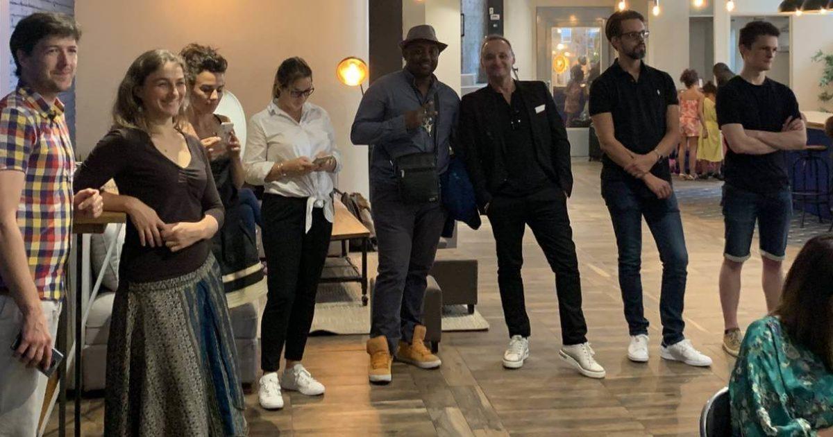 moi avec un groupe d'autres blogueurs pros Elites